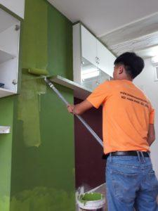 dặm vá sơn lại tường căn hộ chung cư
